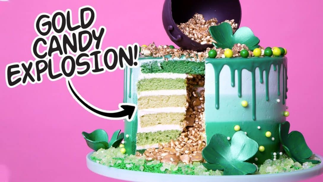 St. Patrick's Day Explosion Cake! | Green...