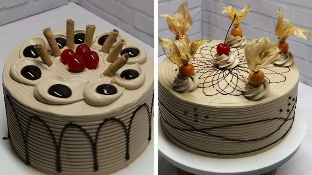 Decoração de bolo com chantilly para...