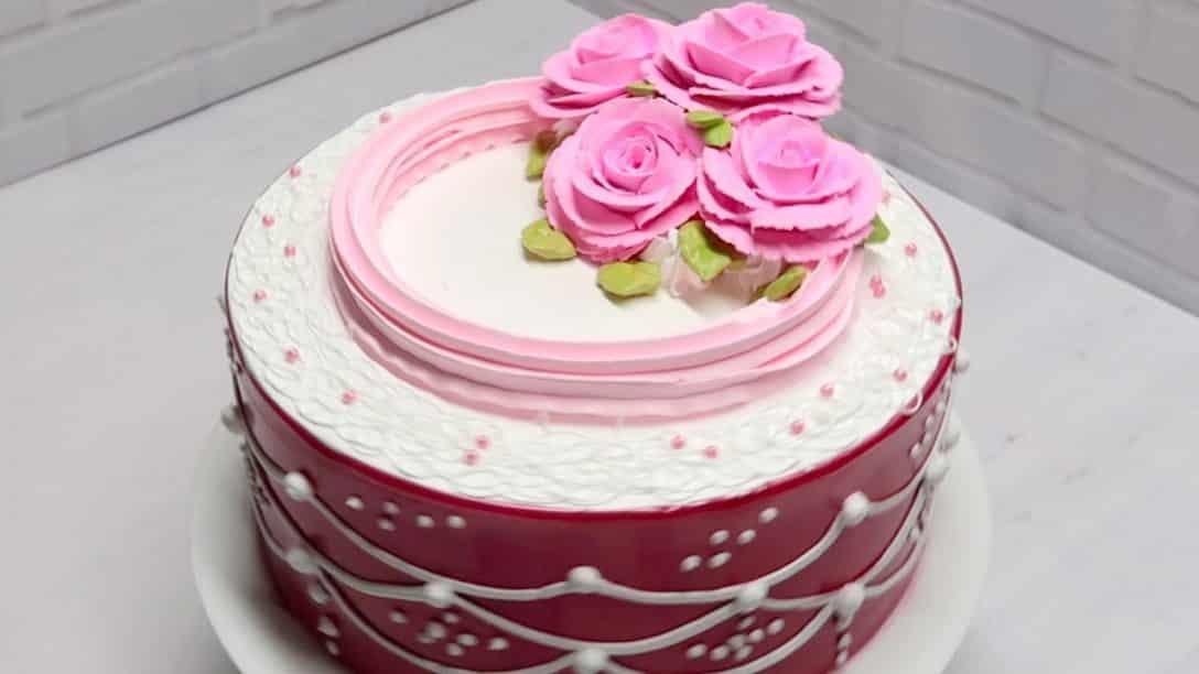 Decoracion de tortas para dama con flores...
