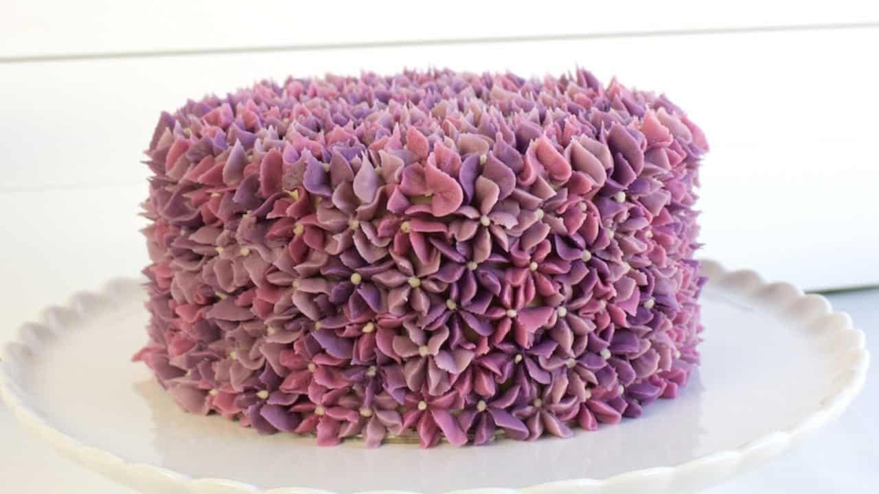Lilac Buttercream Flower Cake - CAKE STYLE