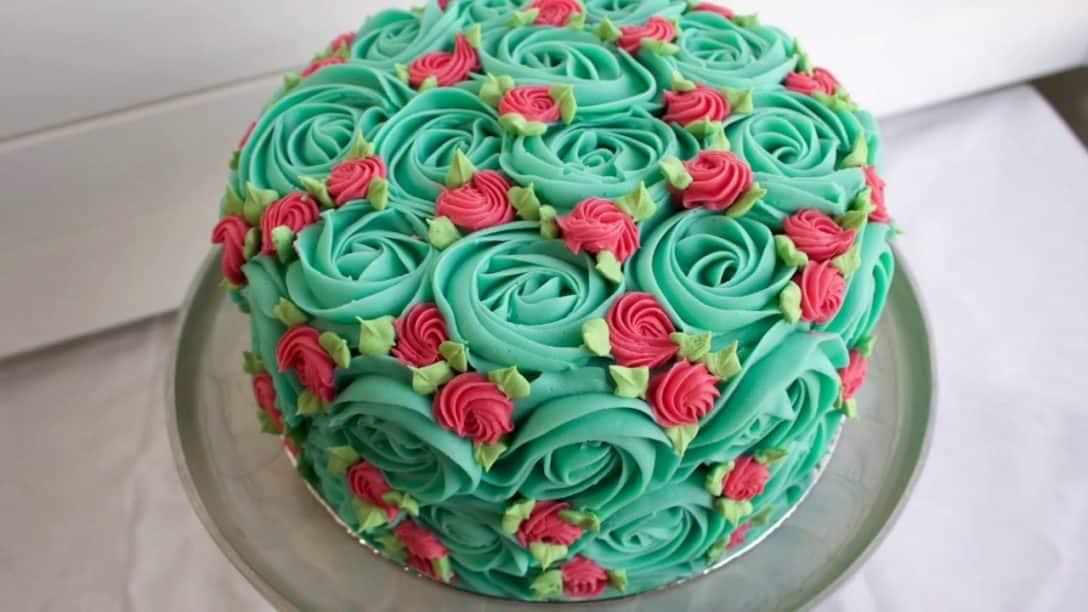 RETRO Rosette Cake - Fun easy piping video